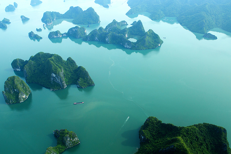 FLY AND CRUISE IN HALONG BAY